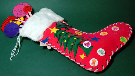 Christmas stocking craft ideas for kids mocomi for Stocking crafts for toddlers